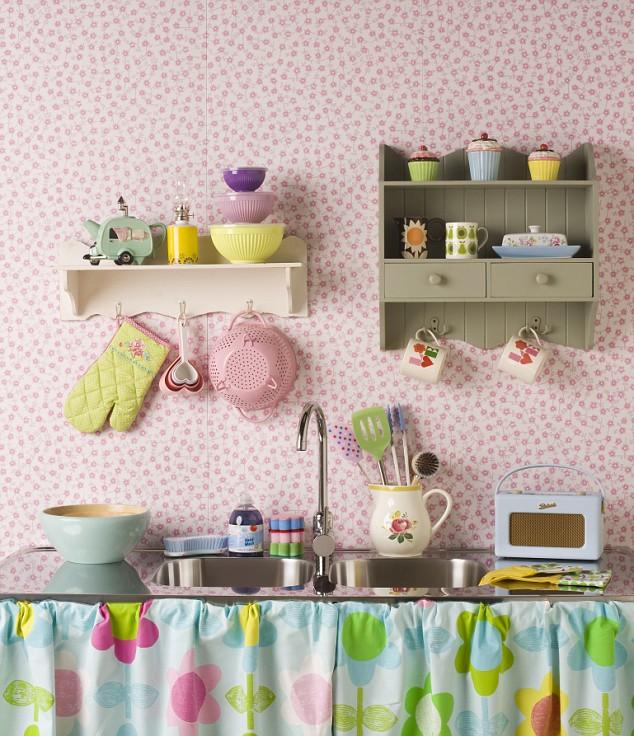 decoracao cozinha pequena simples:mistura do verde, rosa, azul e branco é demais.