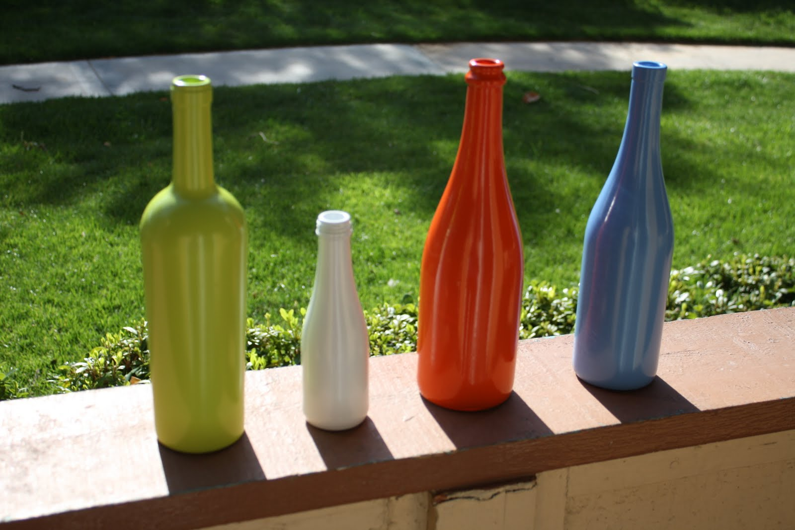 Deco chick upcycle your empty wine bottles for What to make with empty wine bottles