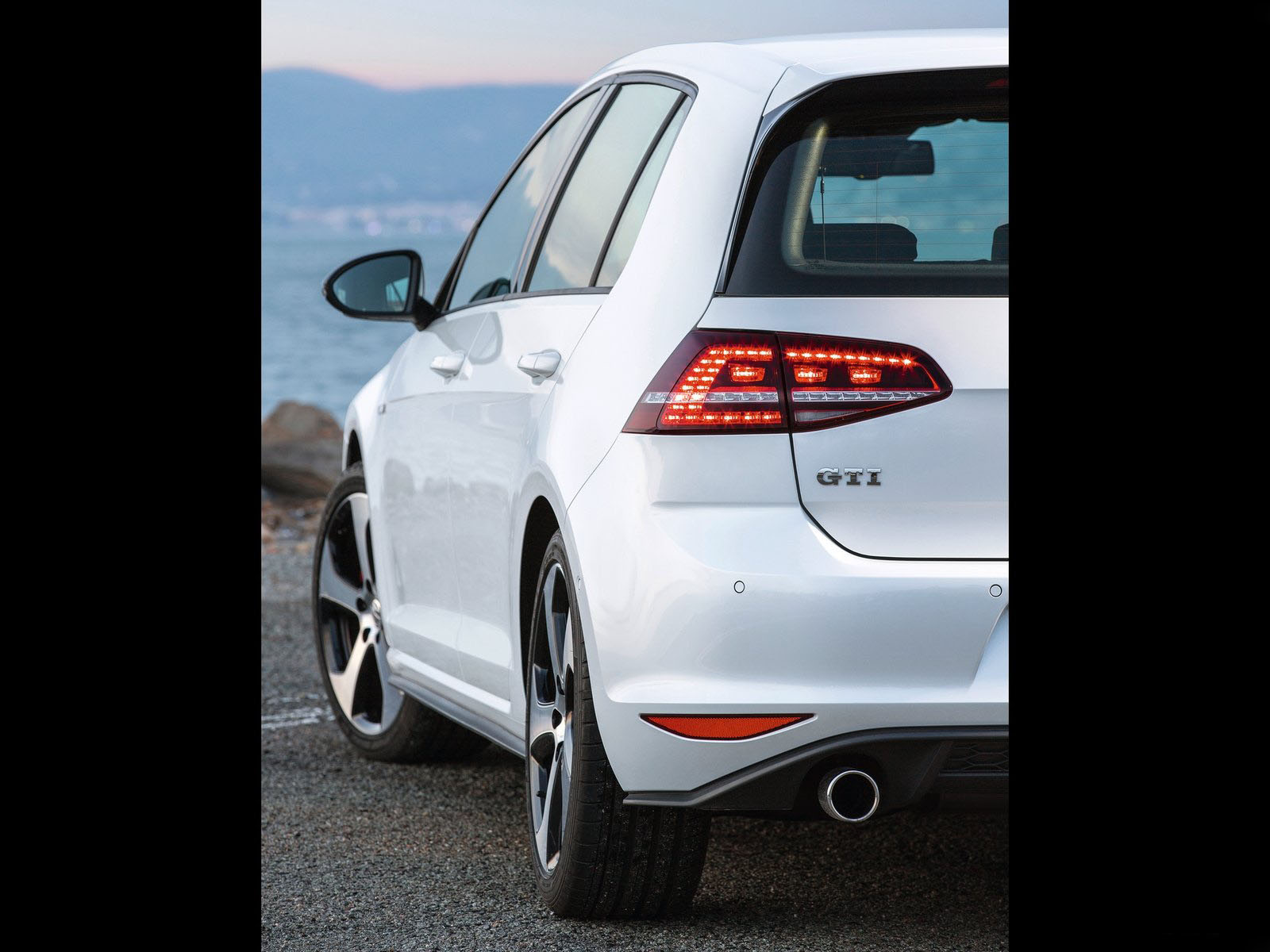 car i Volkswagen Golf GTI 2014