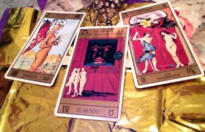 Tirada de tres cartas para Aries Enero 2013