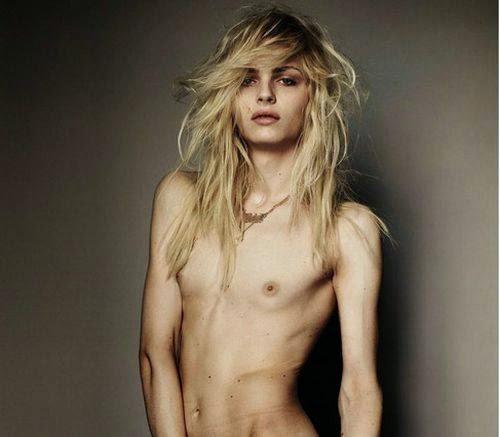 Interviú desnuda a la exuberante modelo rusa Iryna