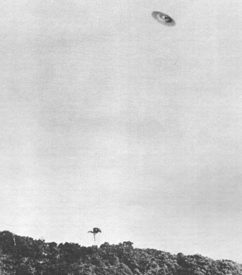 Colares 1977 : quand la réalité dépasse la fiction 1952-1A-ovni-ufo-Barra-da-Tijuca-Brazil-May-7