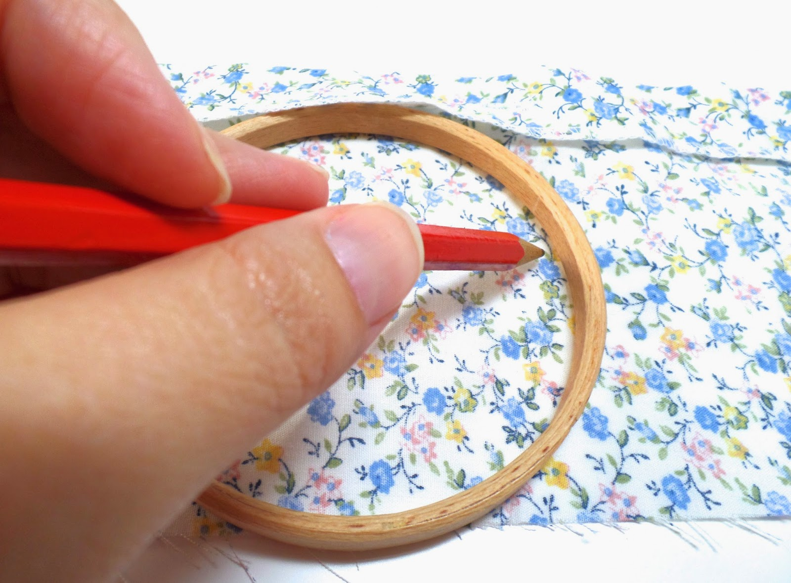 sewing a pin cushion