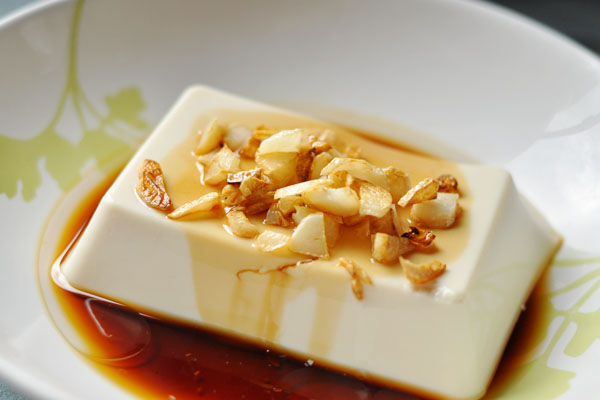 soya sauce and garlic oil tofu