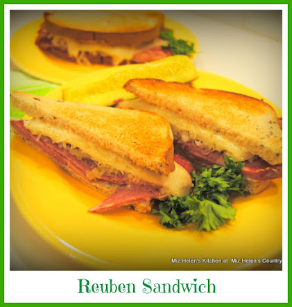 Reuben Sandwich With Nana Sauce