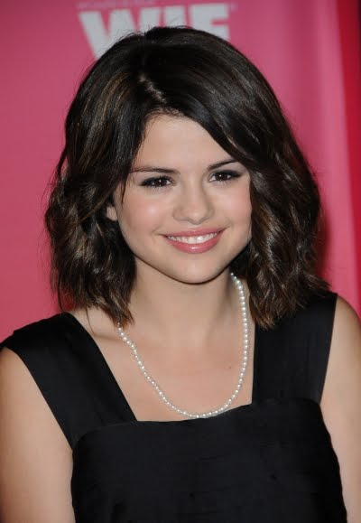 selena gomez long hair. selena gomez hairstyles long