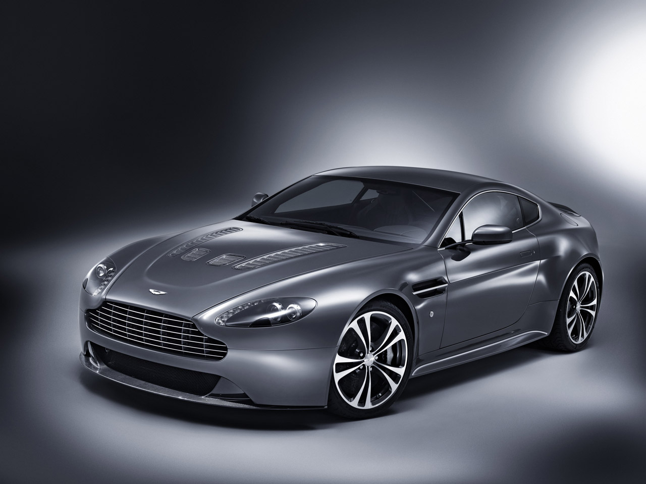 Aston Martin v8 Vantage Price in India Aston Martin v8 Vantage s