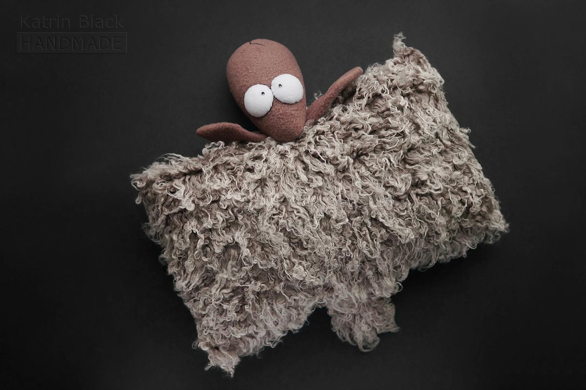 Игрушка ручной работы Овечка - подушка. Сшить овечку. Символ 2015 года.