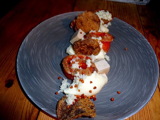 http://emancipations-culinaires.blogspot.com/2015/02/saumon-marine-comme-un-gravlax-chou.html