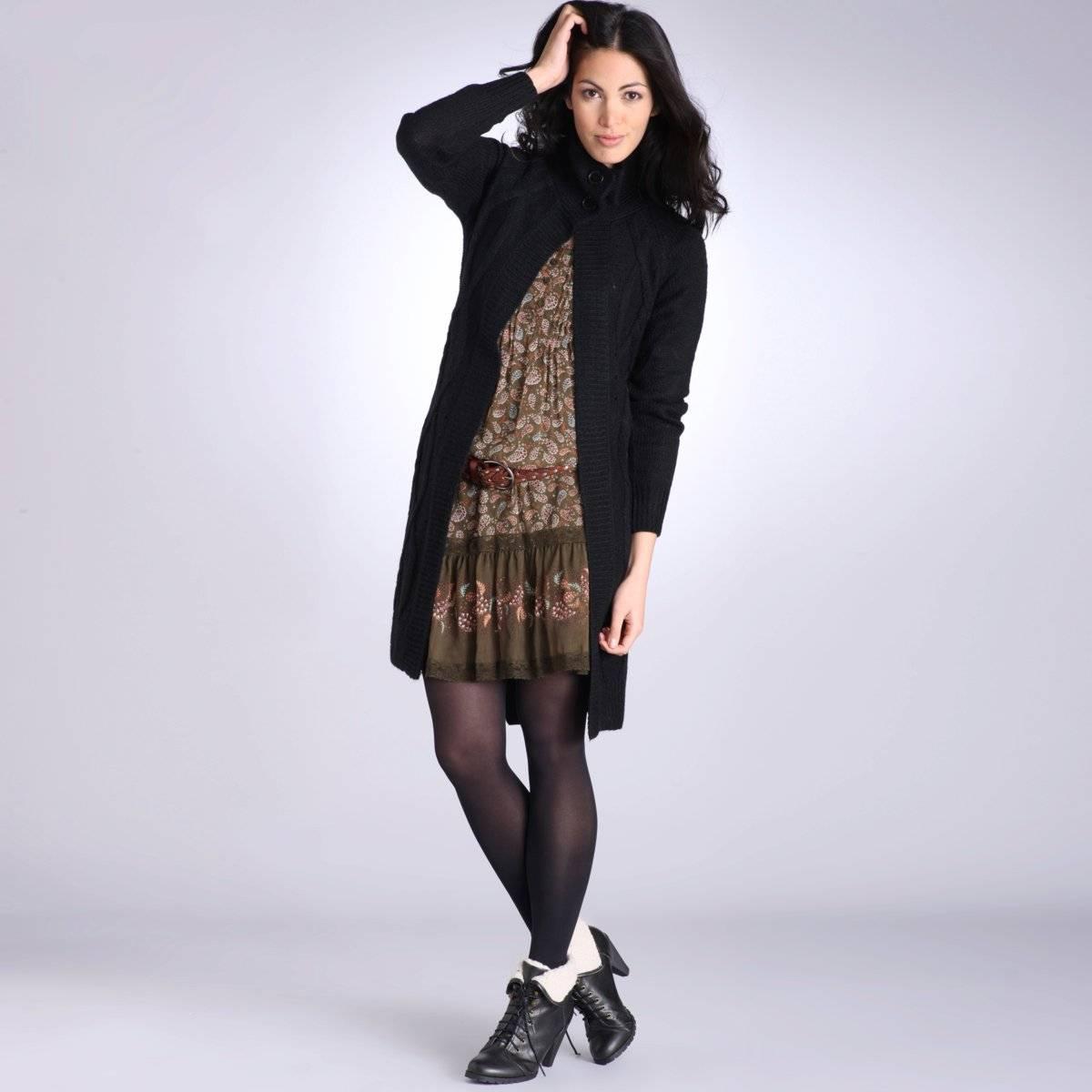 Robe noire avec gilet en laine