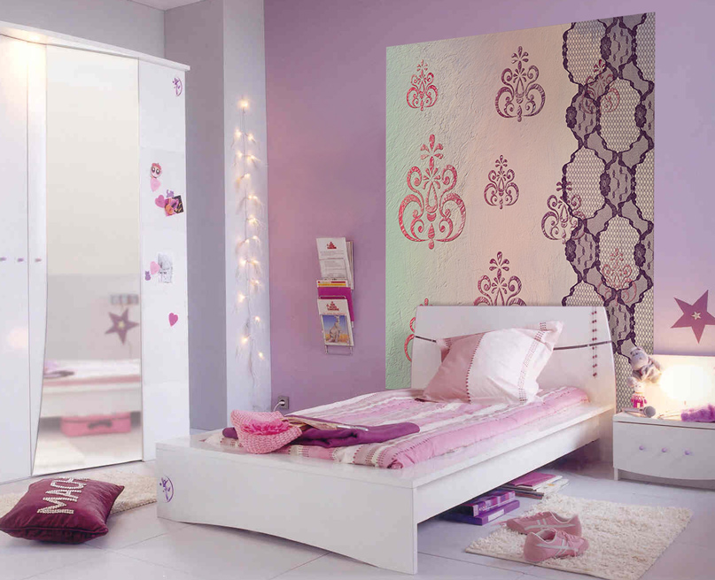 papier peint chambre fille mauve avec des. Black Bedroom Furniture Sets. Home Design Ideas