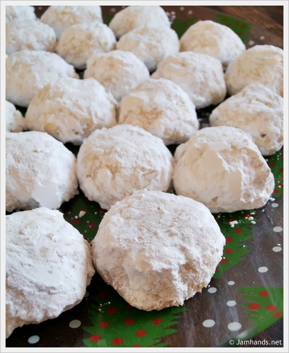 Jam Hands: Snowball Cookies