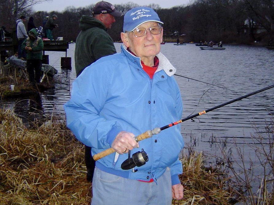No fluke fishing freshwater fishing hot thanks to dem for Freshwater fishing license