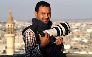 المصور الفلسطيني أشرف أبو عمرة من مدينة غزة
