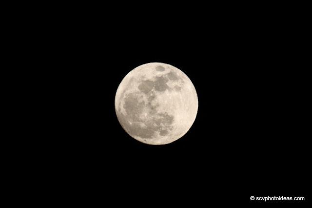 99.5% full moon disk
