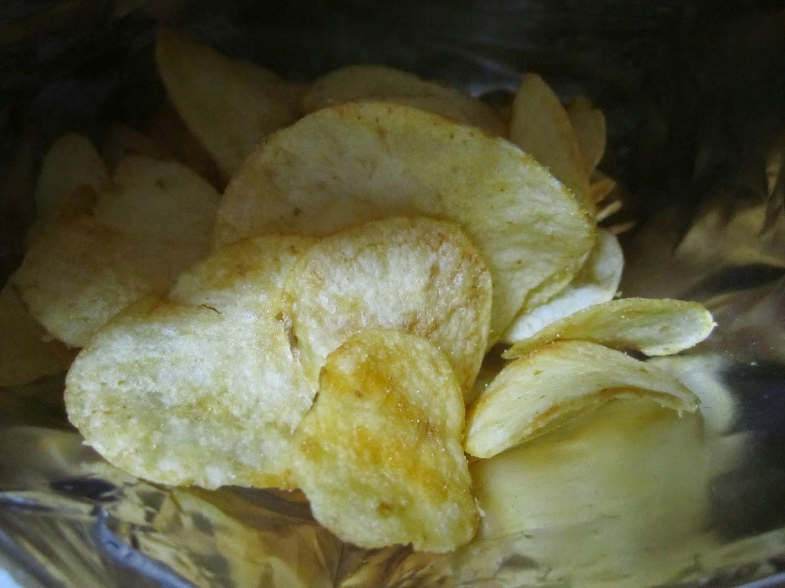 Stamina Gen Tare Potato Chips Calbee KNK スタミナ源たれ味ポテトチップス カルビー 上北農産加工農業協同組合