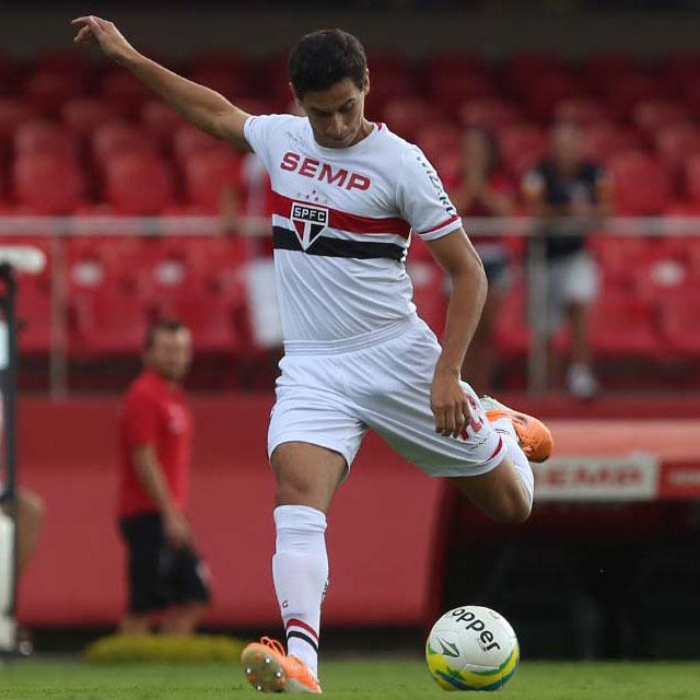 Jogadores – O malão do Ganso no short de futebol