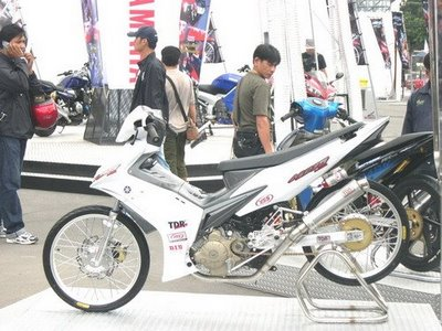 Modifikasi Jupiter Mx Hitam Putih