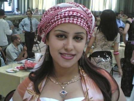 فتاة اردنية تهدد شاب انه اغتصبها إذا لم يستجب لمطالبها !!!