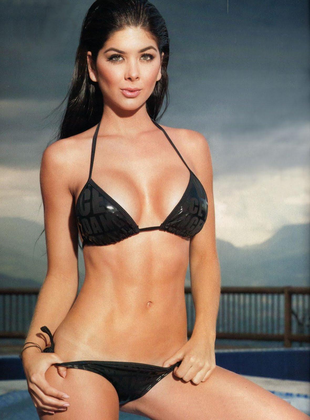 http://3.bp.blogspot.com/-9cek1TxbxWo/TZasjSYBmaI/AAAAAAAAHeA/WkqO-hj0_Qo/s1600/Mariana%2B%2526%2BCamila%2BDavalos-02.jpg