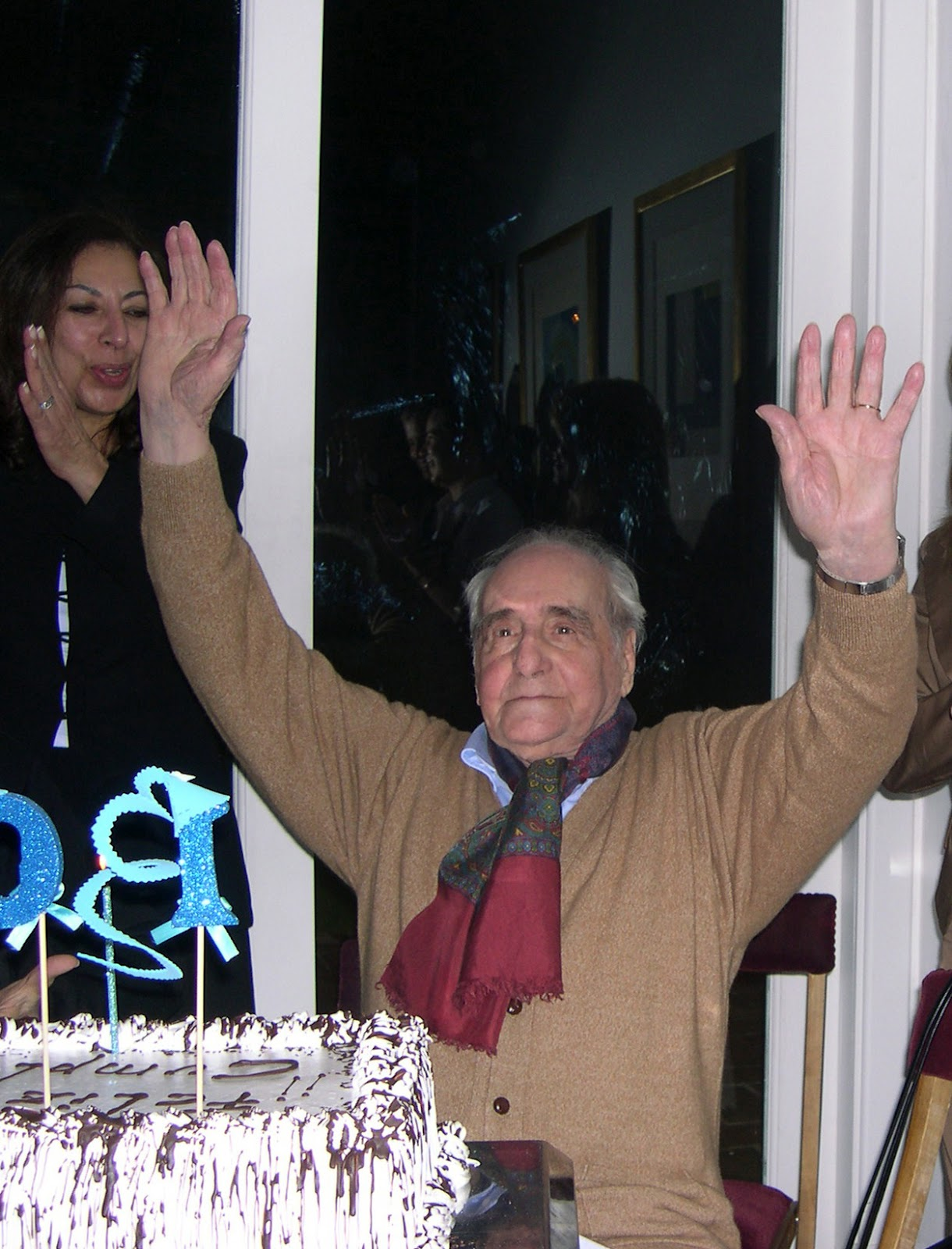 http://3.bp.blogspot.com/-9cg8m_nYN1o/T_FHsZSKjTI/AAAAAAAAXSU/KZywa0FqLk0/s1600/Horacio+Coppola+Alejandro+Ruiz+Luque+100.jpg