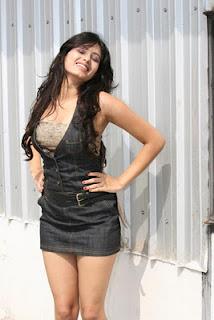 Deepa Sannidhi Hot Pictures