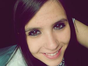 Sonríe, no sabes quien se puede enamorar de tu sonrisa.