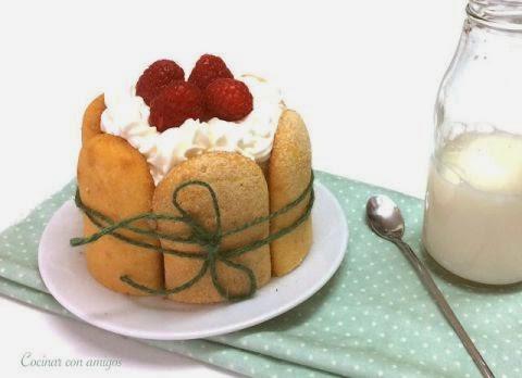 Tarta Charlota de Mango
