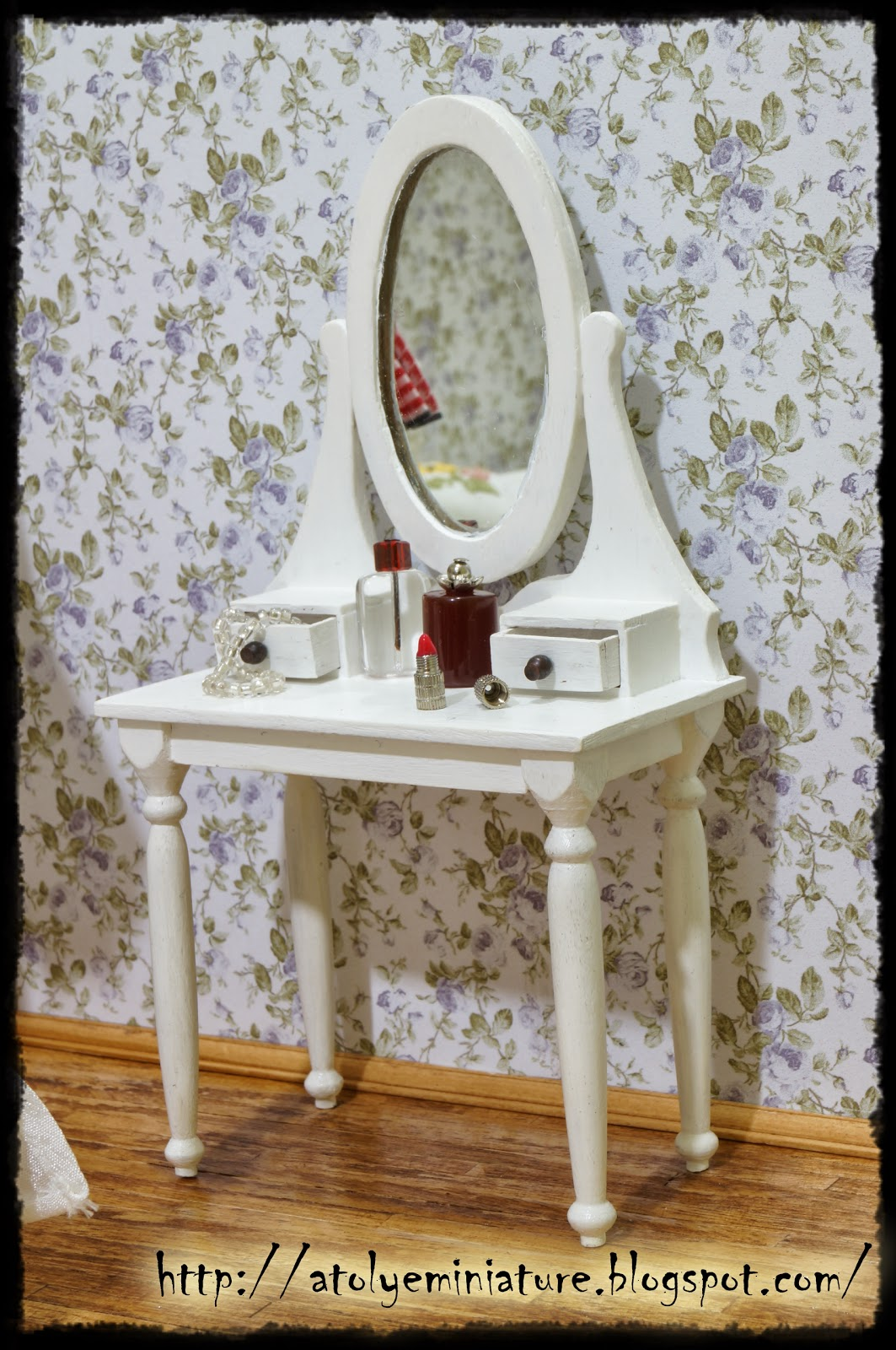 1:12 dressing table