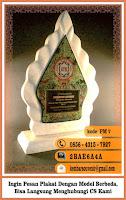 contoh plakat akrilik, contoh souvenir perusahaan, cutting laser surabaya