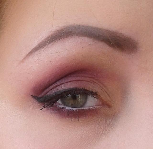 Krok po kroku -  kolorowy makijaż na dzień