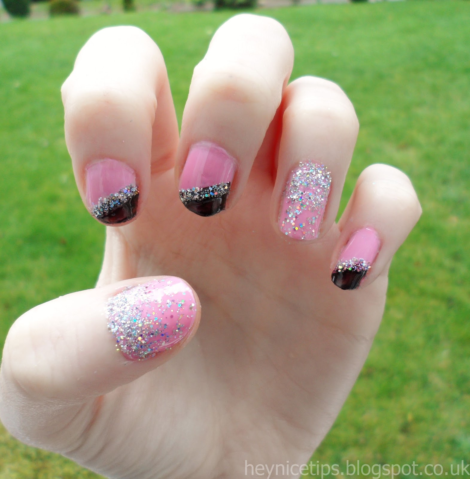 Hey, nice tips!: Pink & Black Glitter Gradient Nails