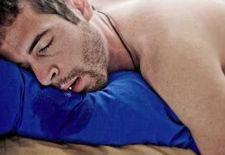 Alasan Mengapa Kita 'Ngiler' Ketika Tidur