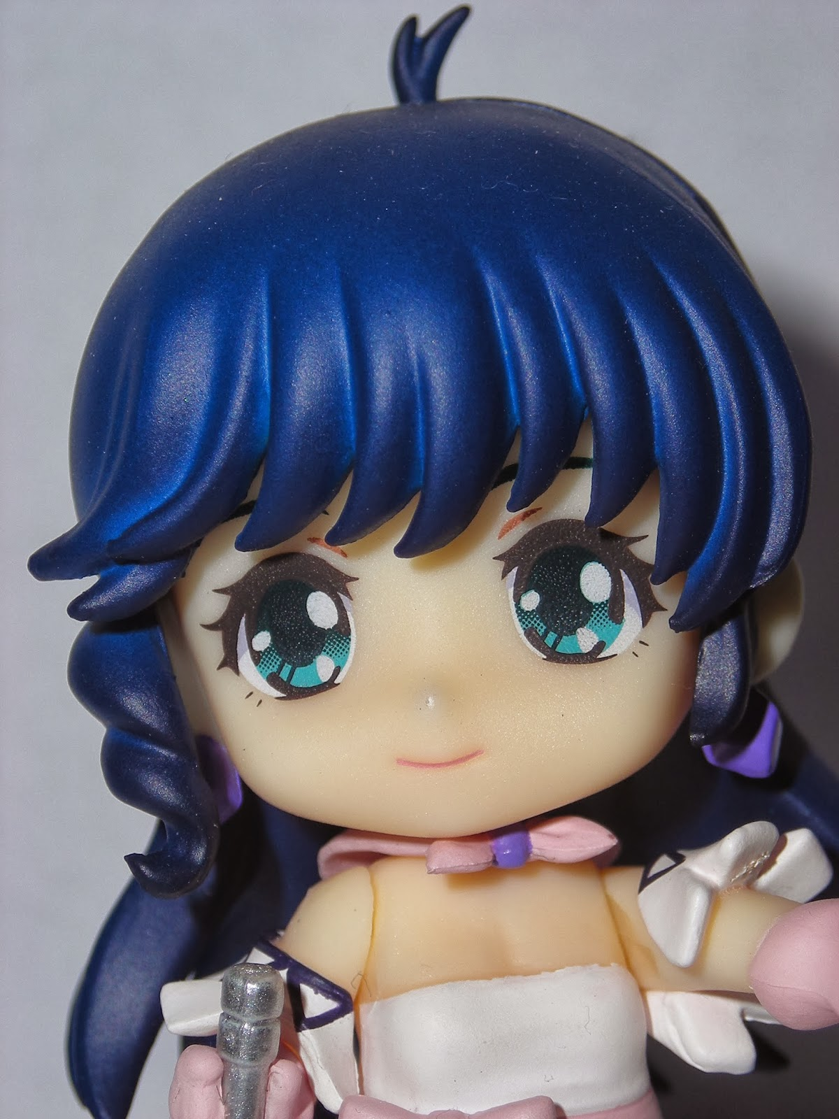 The original Macross girl, Lynn Minmay, up close
