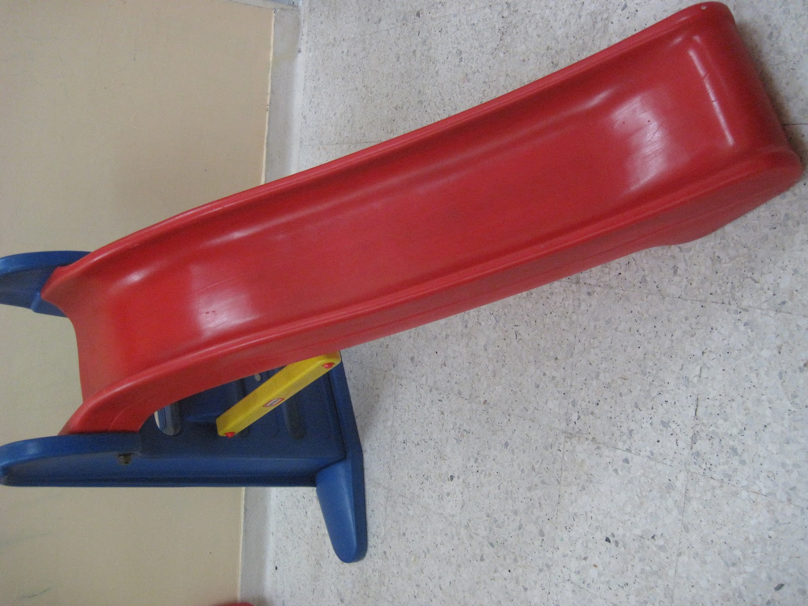 Amy Sweety Store Little Tikes Easy Store Giant Slide Sold