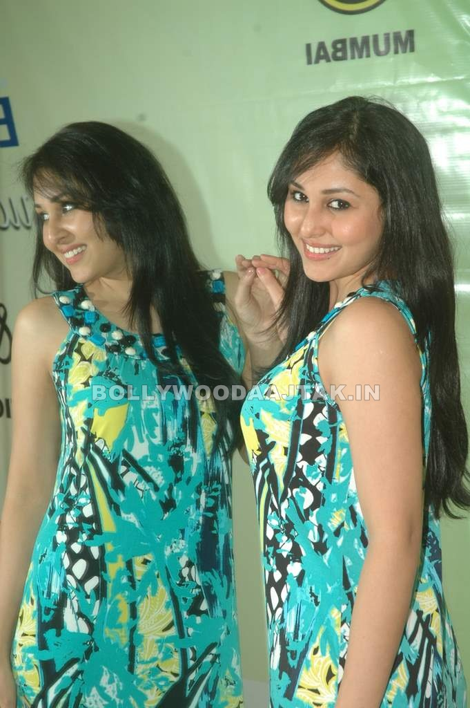 Pooja Chopra1 - Miss India Pooja Chopra at Gold Gym&#39;s Fit n Fab