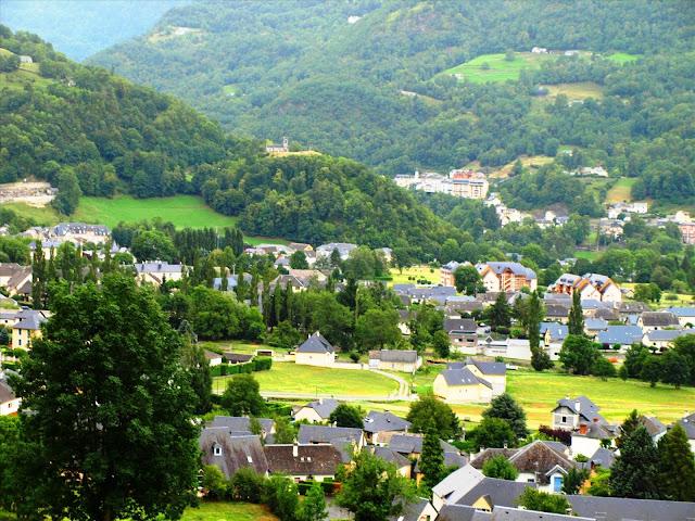 Best pyrenees photos village cauterets pyrenees france - Office de tourisme cauterets ...
