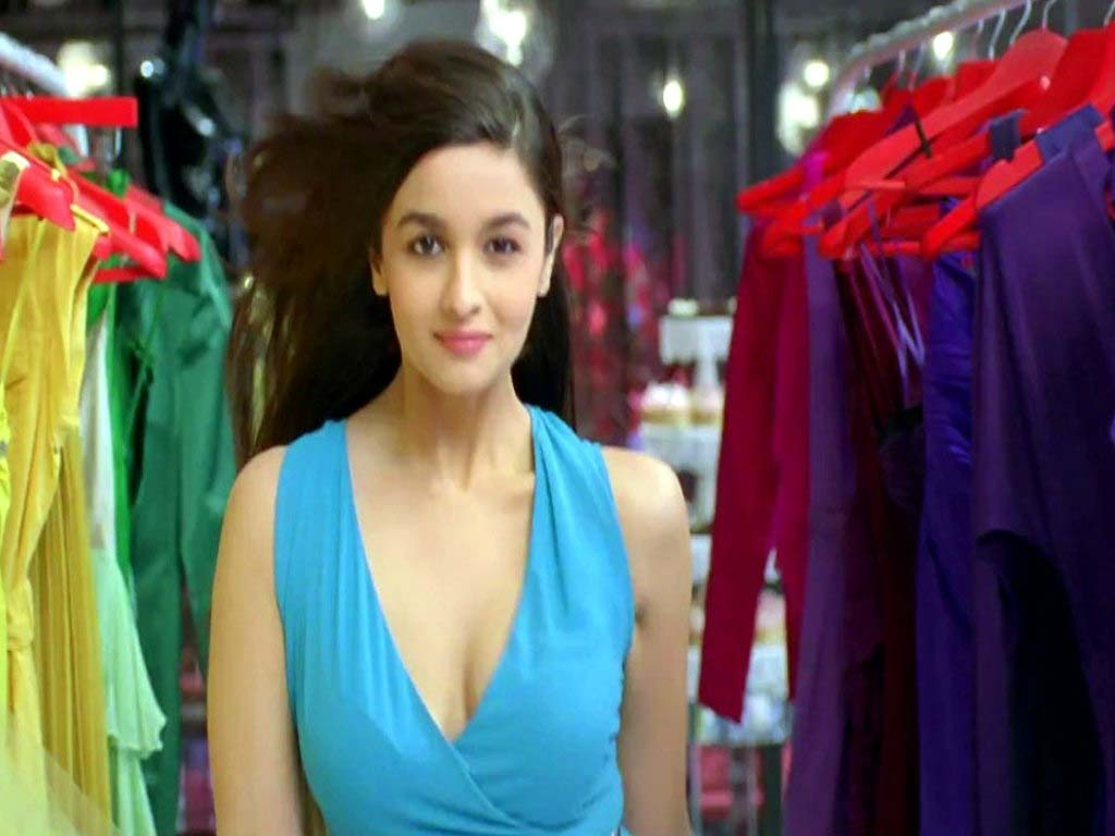 http://3.bp.blogspot.com/-9eKI_XnSJO0/UEiHa7Ef0JI/AAAAAAAAAag/0Fim_wtIRFE/s1600/alia-bhatt-in-student-of-the-year-movie-6.jpg