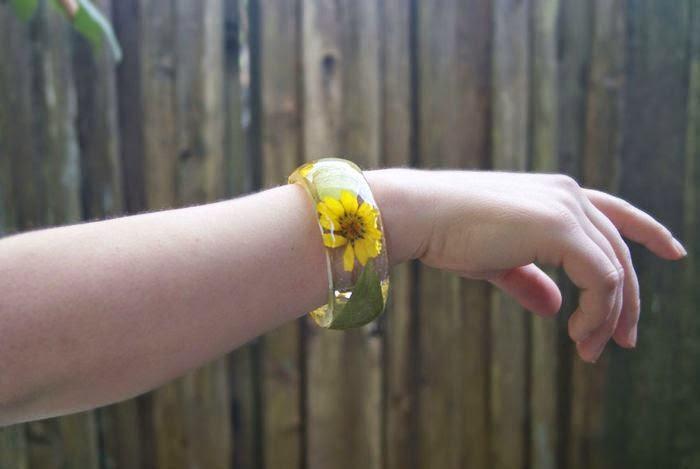 Joyas de Resina y Flores Secas