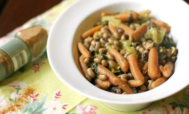 Spicy Coconut Blackeyed peas- simplelivingeating.com