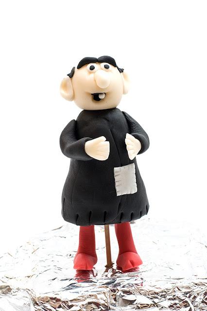 Smurfs Gargamel fondant figurine Gargamel iz sladkorne mase spredaj