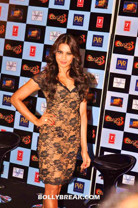 Bipasha Basu posing for camera in hot dress - Bipasha Basu @ launch of &#39;Raaz 3