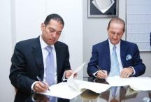 firma de acuerdo sobre energia solar en República Dominicana
