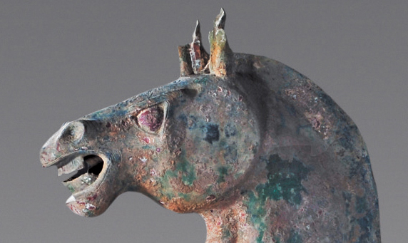 ม้าทองแดงขนาดเท่าของจริง ที่ค้นพบในสุสานสามก๊ก