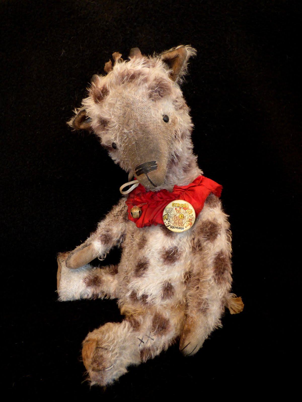 Giblet Jo, a mohair giraffe