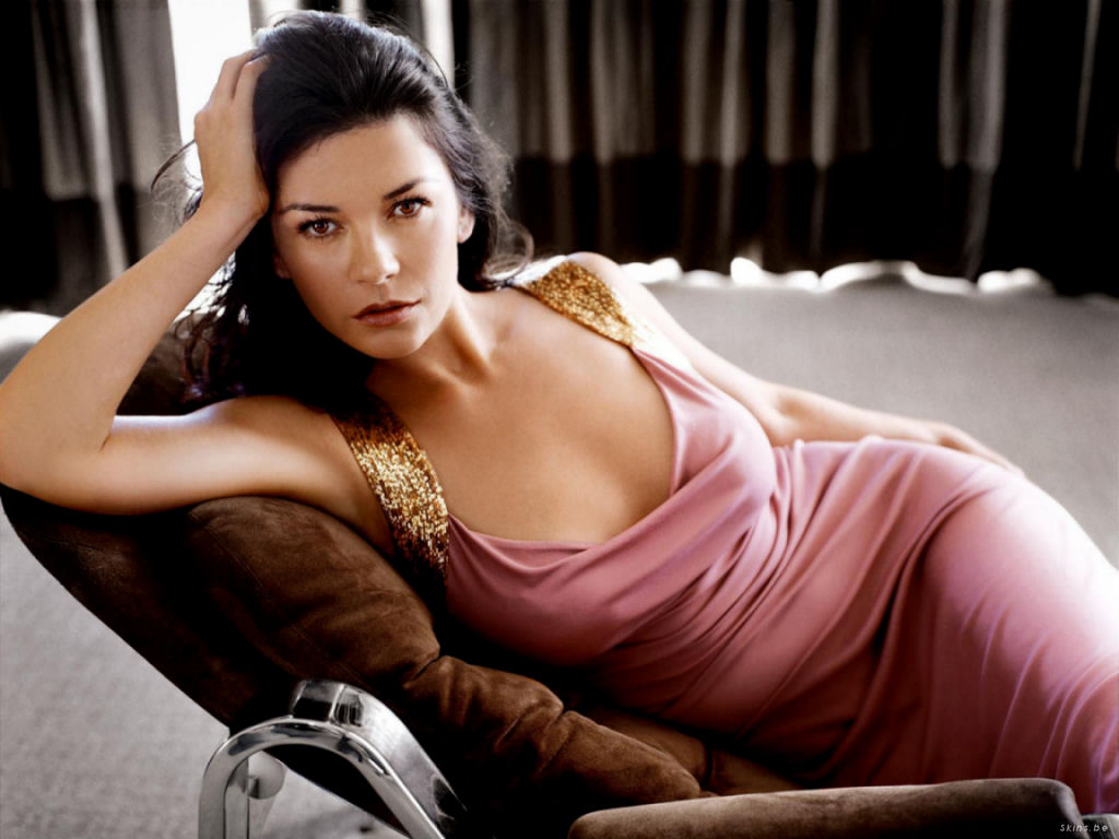 catherine zeta jones 1024x768 02 Sultry: Catherine Zeta Jones poses nude for Allure magazine in her raciest ...