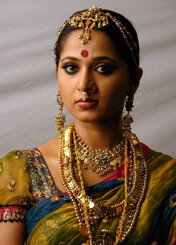 Actress Stills Anushka Shetty In Wedding Dress