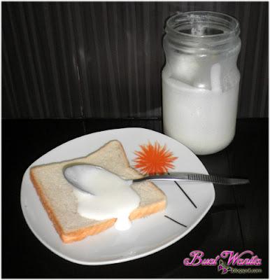 Whipping cream sedap demakan dengan roti begitu sahaja