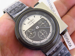 SEIKO CHRONOGRAPH ALIENS WHITE AND BLACK DIAL DESIGN BY GIUGIARO - LIMITED EDITION 1812 / 2000 BNIB