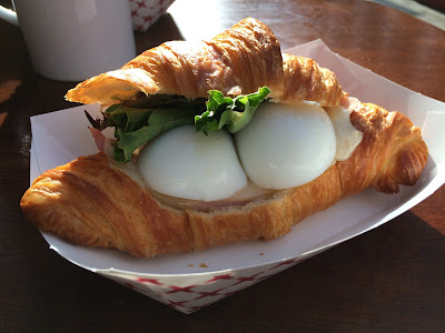 Croissant at farm:table